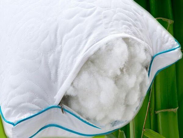 Чехол на молнии удобен для регулировки высоты подушки