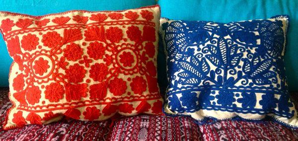Для декорирования можно использовать кружево и вышивку