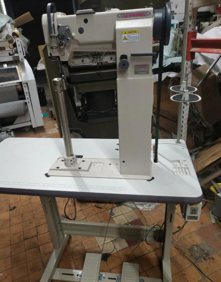 Продам новую высокую колонковую швейную машину Aurora 8365